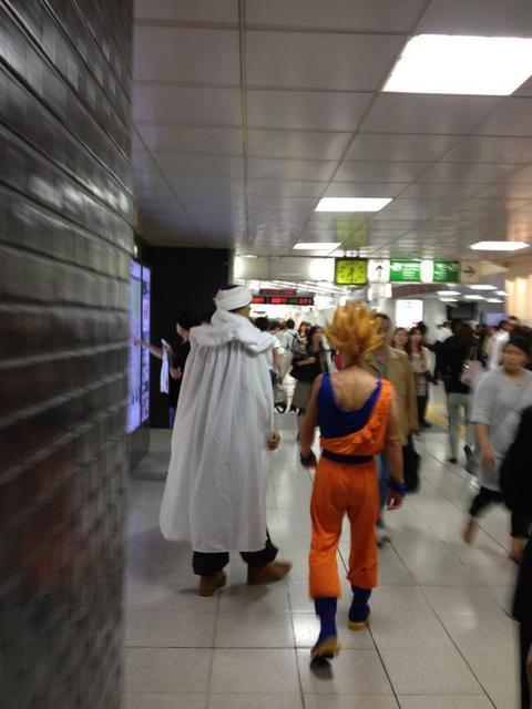 えッ!!!駅にナメック星人がいる!! #ドラゴンボール