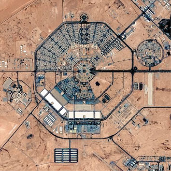 砂漠の巨大要塞