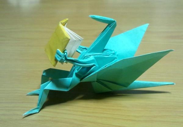 読書中の鶴を折り紙で表現してみましたよ(☼Д☼)!!